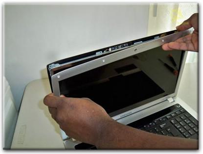 Замена матрицы ноутбука Samsung, услуги компьютерного мастера